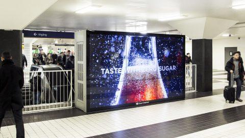 play-billboard-metro-sv-7.jpg