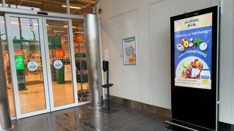 hellmans-play-adshel-supermarket-v25-coop-scaled.jpg